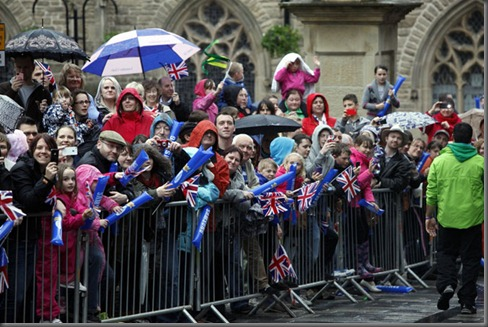 image-10-olympic-torch-at-sunderland-and-durham-1092162